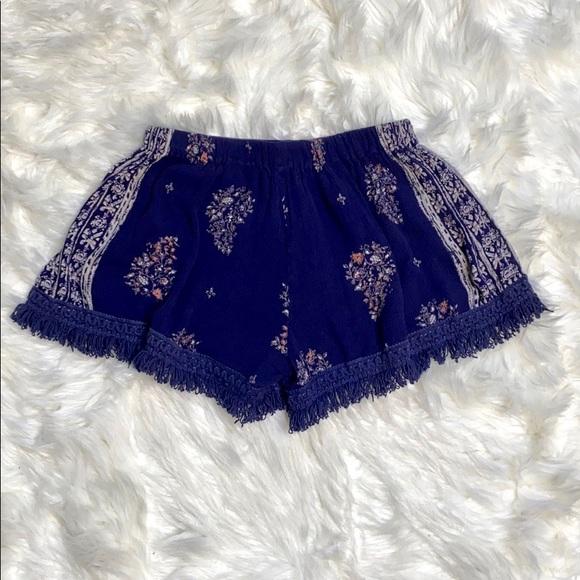 Band of Gypsies Pants - Band of Gypsies Boho Fringe Blue Pattern Shorts